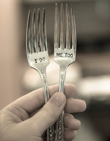 "Forks that say ""I do"" and ""Me too"""