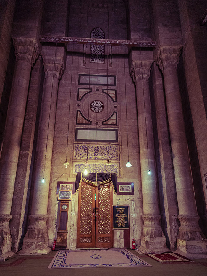 Entrance to the mosque of Sultan Hassan