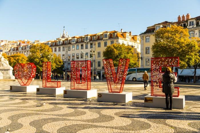Love sculpture in Lisbon