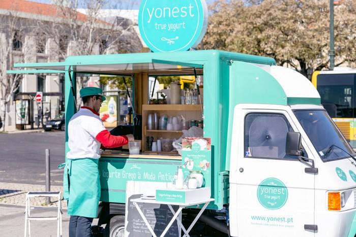 Yonest yogurt stand